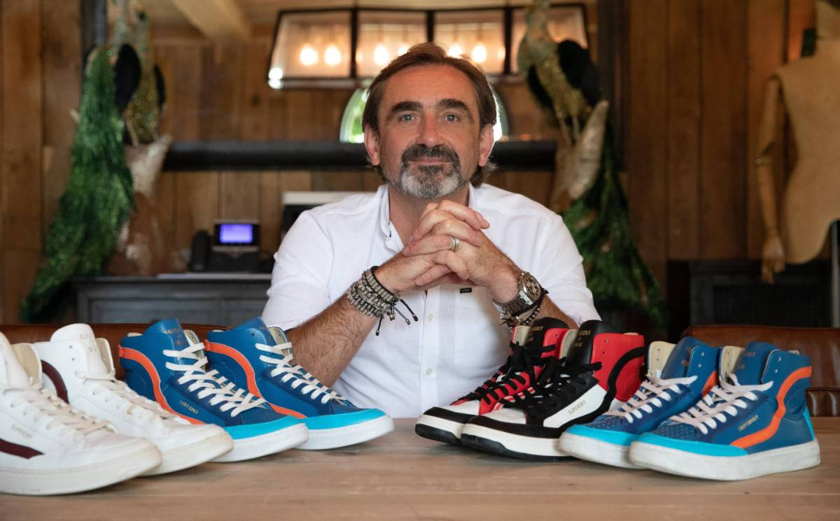 Superdry reports drop in full-year revenue, but returns to growth in Q4